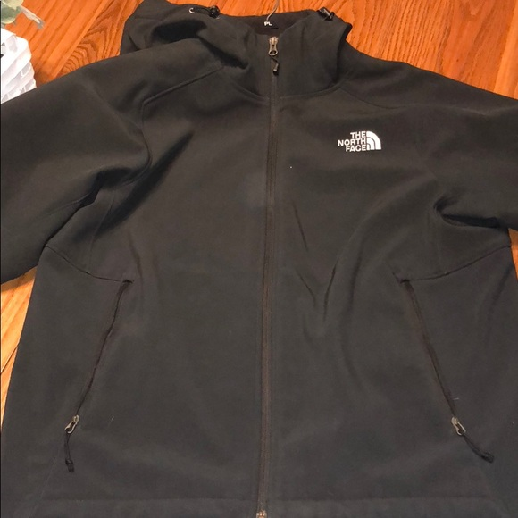 6d83fecc1 North Face Men's Soft Shell hooded jacket